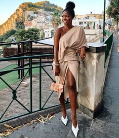 Travel Guide: My Adventures In Italy — HighLowLuxxe Bougie Black Girl, Brunch Outfit, Black Luxury, Black Women Fashion, Black Women Style, Black Girl Aesthetic, Women Lifestyle, Classy Chic, Feminine Style