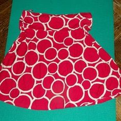 I just discovered this while shopping on Poshmark: H&M Flowy stretchy a line skirt. Check it out! Price: $10 Size: 14