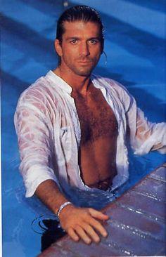 I think this picture just got me pregnant. Joe Lando.