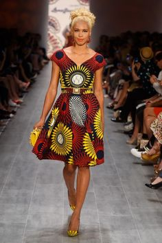 Lena Hoschek Spring Summer 2015 | Pagnifik. Latest African Fashion, African Prints, African fashion styles, African clothing, Nigerian style, Ghanaian fashion, African women dresses, African Bags, African shoes, Nigerian fashion, Ankara, Aso okè, Kenté, brocade DK