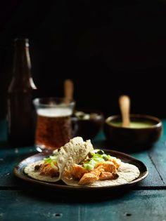 Tacos de Salmón con  Encurtidos & Salsa de Chile Serrano