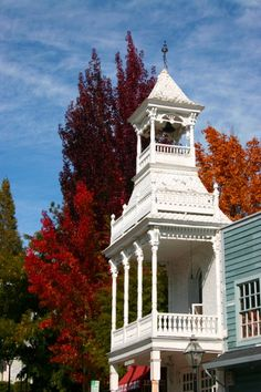 Nevada City and Grass Valley - October/November visit for Fall color displayed on century-old maples in a beautiful mining town setting. Route maps are online. Of course, then return the following month for the Victorian Christmas festival.