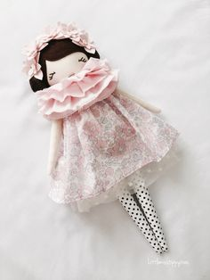 Little Miss Tippy Toes Little Girl Toys, Toys For Girls, Doll Crafts, Diy Doll, Wooden Playset, Doll Patterns Free, Homemade Dolls, Fabric Toys, Dress Up Dolls