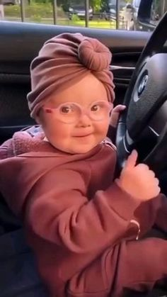Cute Funny Baby Videos, Cute Funny Babies, Super Funny Videos, Funny Videos For Kids, Funny Video Memes, Funny Short Videos, Cute Kids, Funny Vidos, Funny Laugh