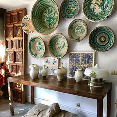 Spanish style homes – Mediterranean Home Decor Spanish Revival, Spanish Style Homes, Decorating Tips, Interior Decorating, Interior Design, Organizing Hacks, Mediterranean Home Decor, Room Decor, Wall Decor