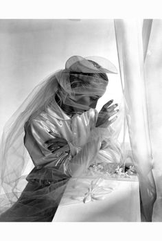 Satin wedding gown and veil, 1936, photo Horst P. Horst