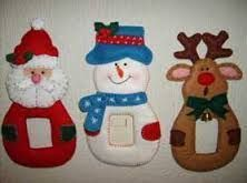 moldes de cubre apagadores navideños - Buscar con Google Christmas Mesh Wreaths, Felt Christmas Decorations, Crochet Christmas Ornaments, Christmas Mom, Christmas Stockings, Christmas Crafts, Felt Crafts, Holiday, Halloween