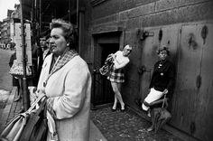 Garry Winogrand - Women are beautiful, 1981,...