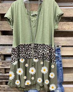 Shirts & Tops, Casual Shirts, Women's Tops, Floral Print Shirt, Floral Prints, Altering Clothes, Print Shift, Patchwork Dress, Shirt Sleeves