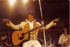Elvis - Omaha 1977