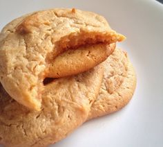 Condensed Milk Peanut Butter Cookies is a chewy, moist and soft heavenly recipe that is sure to be a favourite. The secret ingredient? Milk Recipes, Sweet Recipes, Baking Recipes, Cookie Recipes, Brownie Recipes, Peanut Butter Biscuits, Healthy Peanut Butter Cookies, Halloween Desserts, Healthy Desserts