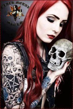 Pussy girl Metal head
