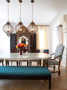 Elegant modern dining room with moroccan elements