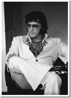 """""""I never expected to be anybody important"""" - Elvis Presley <3"""