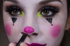 10 Cute 'n' Creepy Clown Makeup Ideas for Halloween | Divine Caroline