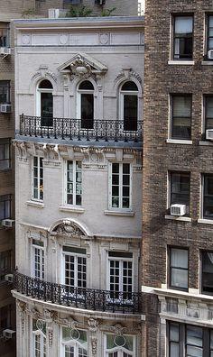 West Side townhouse ▇  #Home  #Design #Architecture   http://www.IrvineHomeBlog.com/HomeDecor/  ༺༺  ℭƘ ༻༻    Christina Khandan - Irvine California