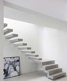 Informe publicitário: Escadas moldadas: concreto faz bonito nos degraus - Casa