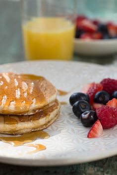 Light and tender sprouted wheat pancakes high in fiber. No Flour Pancakes, Gluten Free Pancakes, Pancakes And Waffles, Sprouted Grain Bread, Waffle Maker Recipes, Be Light, King Arthur Flour, Sweet Recipes, Sprouts