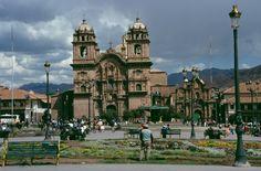 Catedral del Cusco o Basílica de la Virgen de Asunción, ubicada en la Plaza de Armas...
