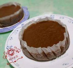 紅糖年糕 水 500克 二砂糖 250克 黑糖 50克 糯米粉 500克 Dim Sum, Dessert Recipes, Desserts, Chinese Food, Goodies, Cooking Recipes, Pudding, Sweets, Asian
