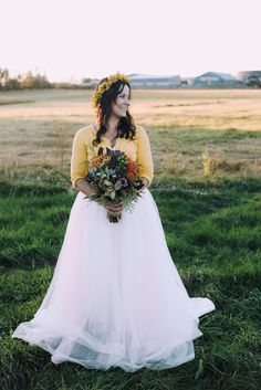 Fall bride style and floral inspiration / fall wedding inspiration / farm wedding inspiration Autumn Bride, Farm Wedding, Flower Girl Dresses, Wedding Inspiration, Bloom, Gowns, Wedding Dresses, Fall, Floral
