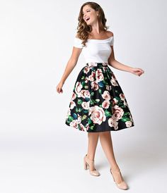 Shop for Black & Pink Rose Print High Waist Swing Skirt by Unique Vintage at ShopStyle. Cute Skirt Outfits, Dress Outfits, Fashion Outfits, Fashion Ideas, Vintage Skirt, Vintage Dresses, Vintage Outfits, Classy Dress, Classy Outfits