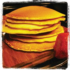Our #fluffy #organic #vegan #pancakes are better than your Grandma's and they are better for you! You can order these in your 5-day #mealplan or get them at the @dallasfarmersmarket for breakfast #meltinyourmouth #good #healthyfood #foodstagram #veggiestyle #Soulstirrers #mealprep #youbuy5wegive5back #emotionaleatingwithnoregret