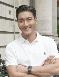 Super Junior, Choi Siwon, Korean Drama Stars, Korean Star, Leeteuk, Heechul, Hair Cut Guide, Korean Men Hairstyle, Lee Hyukjae
