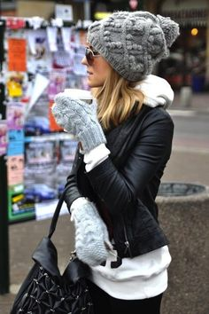 winter wear- blend your gloves etc into the colour scheme of your outfit to look stylish and put together, but warm at the same time, tip for next winter Fall Winter Outfits, Winter Wear, Autumn Winter Fashion, Dress Winter, Winter Dresses, Winter Clothes, 2016 Winter, Womens Winter Hats, Winter Outfits For Teen Girls Cold