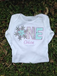 This listing is for one winter onederland shirt or bodysuit. This shirt can be customized to match any party decor, just message me to inquire. Please
