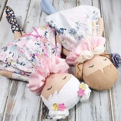 Everybody's waking and stretching and getting excited for today's #etherealspringcollection restock today! So many pretty ladies in this release happening at 1:00pm (CST) That's about five hours from now #spuncandydolls #restocktoday #clothdoll #fabricdoll #heirloomdoll #dollmakersofinstagram #etsyshop #etsyseller