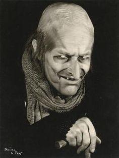 """Jean-Louis Barrault dans """"Volpone"""" de Ben Jonson, février 1955, Thérèse Le Prat Charenton-le-Pont, Médiathèque de l'Architecture et du Patrimoine"""