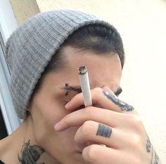 Images and videos of bad boy smoke Creepy, Estilo Grunge, Bad Boy Aesthetic, Grunge Boy, Man Smoking, Punk, Dark Photography, Tumblr Boys, Hipster