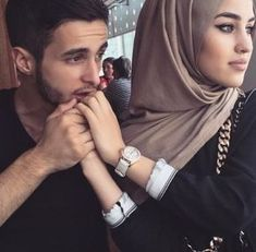 Image de couple, hijab, and islam Couples Musulmans, Vieux Couples, Cute Muslim Couples, Cute Couples Goals, Romantic Couples, Wedding Couples, Couple Goals, Married Couples, Romantic Weddings