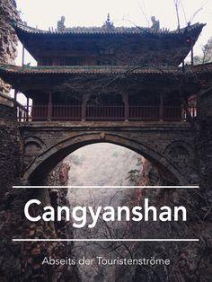 Auf eigene Faust zu den hängenden Tempeln des Cangyanshan nahe Peking? Hier erfährst du mehr dazu!   Photo: Ina Jaeckel