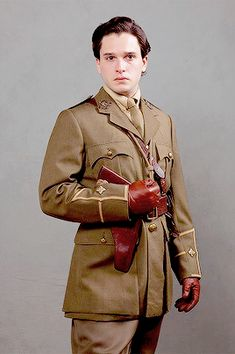 Kit Harington as Roland Leighton in 'Testament of Youth' Kit Harington, Roland Leighton, Kit And Emilia, Famous Male Models, Men's Fashion, John Snow, Beautiful Kittens, King In The North, Fantasy Male