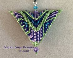 The Phoenix Pendant. Deco for the Holidays Graphic Patterns, Cool Patterns, Beading Patterns, Seed Bead Jewelry, Beaded Jewelry, Jewelry Art, Jewlery, Beadwork Designs, Ornaments