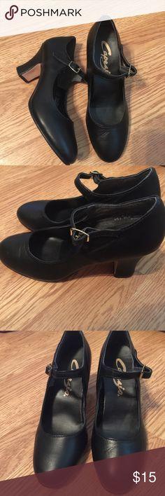 "Capezio childs 3"" foot light character shoes Plenty of life left! 4 1/2! Any questions please ask. Capezio Shoes"