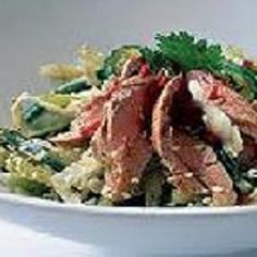 Finding yourself eating the same tasteless salad everyday for lunch? Try this one… you won't regret it. Pork Salad, Low Carb Recipes, Nutrition, Lunch, Beef, Happy, Food, Low Carb, Meat