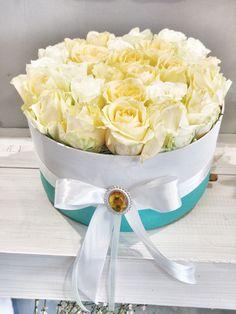 Yellow roses in box by DIFIORI / Rózsadoboz