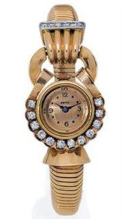 Montre bracelet de dame diamants,de forme ronde, le cadran doré à chiffres arabes et index peints rehaussé d'une ligne de douze diamants ronds taille brillant, le bracelet en maille tubogaz monture en or jaune, poinçons français Van Cleef Arpels, Ring Watch, Bracelet Watch, Fine Watches, Watches For Men, Bracelets Articulés, Amazing Watches, Just For Men, High Jewelry