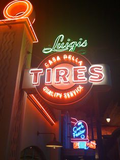 Luigi's Tires neon in Cars Land at California Adventure Cool Neon Signs, Vintage Neon Signs, Advertising Signs, Vintage Advertisements, Looney Tunes, Disneyland California Adventure, Disney California, Sign O' The Times, Radiator Springs