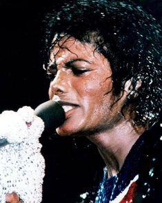 Michael Jackson's Son, Michael Jackson Rare, Jackson 5, You Give Me Butterflies, King Of Music, The Jacksons, Best Artist, Gorgeous Men, Victorious
