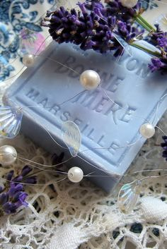 ♡lavanda - Lavender soap and pearls. Lavender Cottage, French Lavender, Lavender Soap, Lavender Blue, Lavender Fields, French Blue, Wedding Lavender, Lavander, French Soap