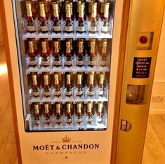 Moet & Chandon: World's First Luxury Champagne Vending Machine Moet Chandon, Champagne Moet, Cocktails Champagne, Champagne Images, Champagne Gifts, Champagne Quotes, Champagne Region, Champagne Party, Veuve Cliquot