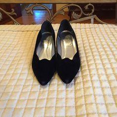 Black velvet heels Black velvet heels. Has a scalloped cut. Nina Shoes Heels