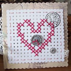 borduren op gaatjeskarton, zo leuk! Valentine Crafts, Valentines, Paper Lace, Cross Stitch Cards, Marianne Design, Card Patterns, Cute Cards, Needlework, Projects To Try