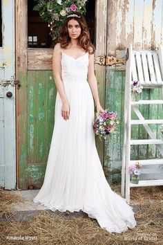 Leia is a very flattering gown with a skirt that has 14 yards of chiffon in it and the bodice and straps are accentuated with delicate pearl.