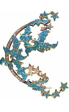 An Art Nouveau 'Bat' anklet, by René LALIQUE, circa 1898-1899, composed of opals, diamonds and enamel. #ArtNouveau #Lalique #anklet