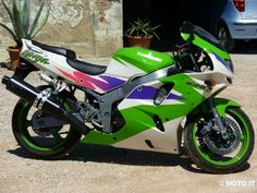 1996 kawasaki ninja zx6r                                                       …look similar design to me